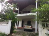 Ground floor of the upstair house for rent in Athurugiriya
